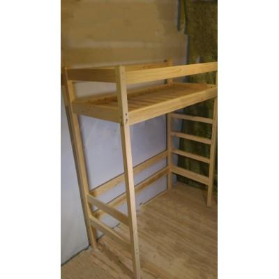 Кровать - чердак из массива