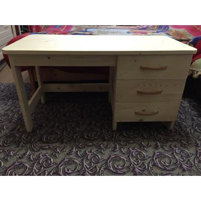 Детский стол с ящиками